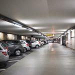 Parkhaus mit ausreichend vielen Parkplätzen